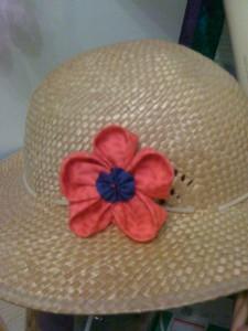 une fleur sur mon chapeau