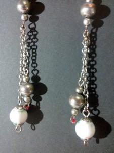 boucle perle blanche et chainette